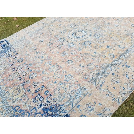 Distressed Turkish Oushak Rug- 9′ × 13′5″ For Sale In Dallas - Image 6 of 11
