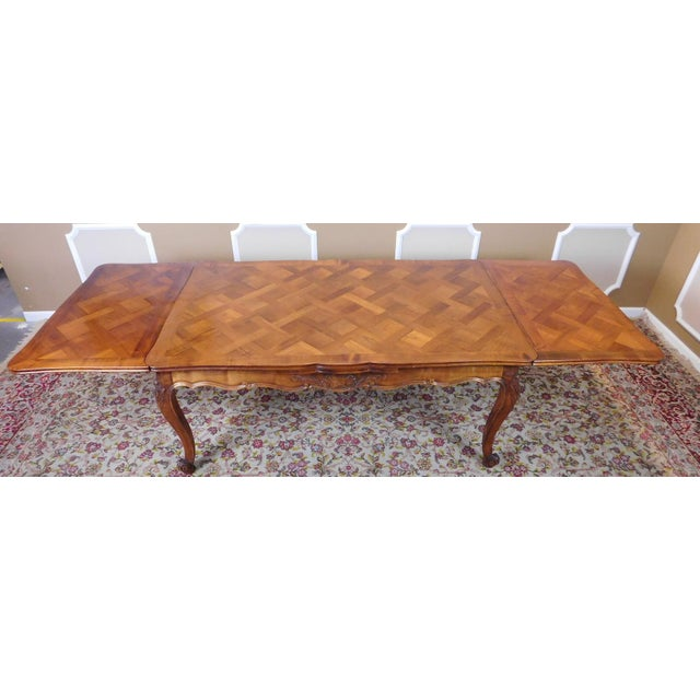 1960s French Country Oak Draw Leaf Table & 6 Chairs - Image 7 of 10