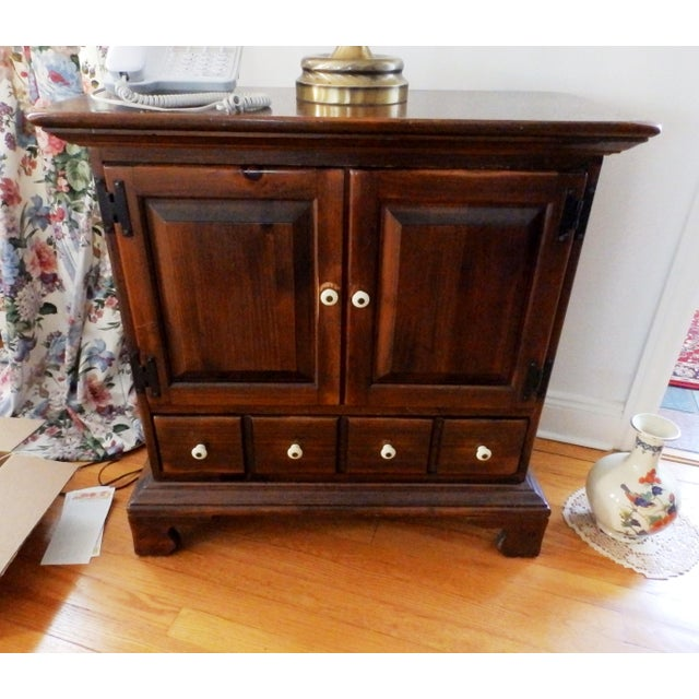 Late 20th Century 20th Century Early American Ethan Allen Dark Pine Old Tavern Console Cabinet For Sale - Image 5 of 5