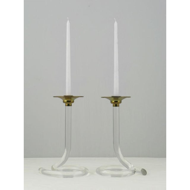 Mid-Century Modern Pair Dorothy Thorpe Style Serpentine Lucite Candlesticks For Sale - Image 3 of 7