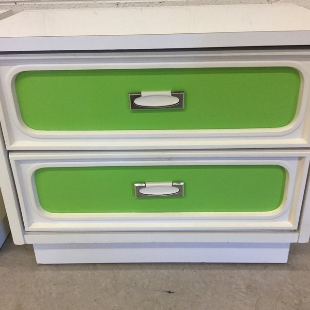 Mid Century Lime Green & White Lacquer Night Stands For Sale - Image 4 of 10