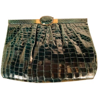 Lustrous Deep Green Alligator Clutch Circa 1940 For Sale