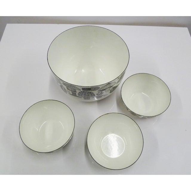 Danish Modern FinelMushrooms by Kaj Franck Set of Enamel Bowls, Arabia Finland 1960s For Sale - Image 3 of 12