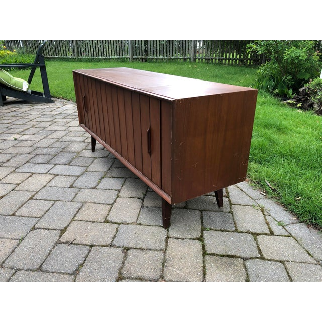 1960s Mid-Century Modern Zenith Record Player Console