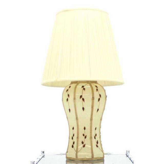 Very nice design art decorated table lamp.
