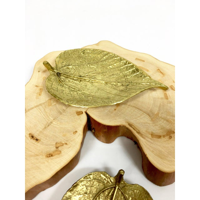 Virginia Metal Crafters 1948 Vintage Virginia Metalcrafters Brass Leaves Trinket Dishes - Set of 2 For Sale - Image 4 of 9