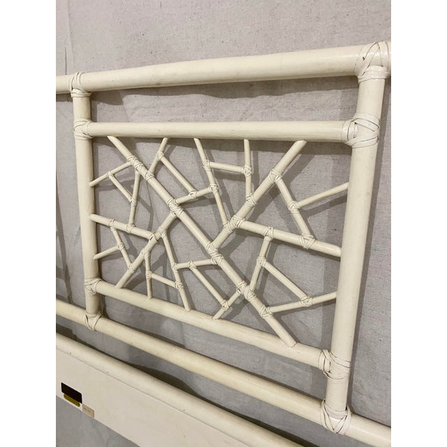 """McGuire Vintage McGuire Full Size """"Cracked Ice"""" Rattan Headboard For Sale - Image 4 of 10"""