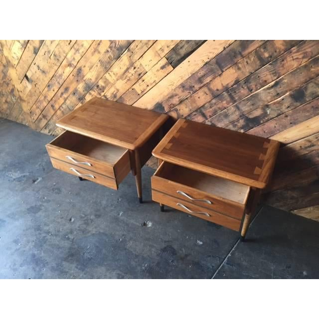 Lane Acclaim Mid-Century Walnut Nightstands - A Pair - Image 4 of 8