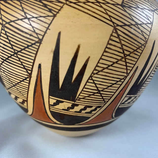 Late 20th Century Late 20th Century Miriam Nampeyo Hopi Polychrome Seed Pot For Sale - Image 5 of 9
