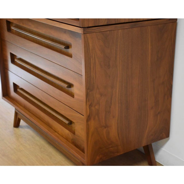 1970s Young Manufacturing Walnut Tall Dresser For Sale - Image 5 of 11