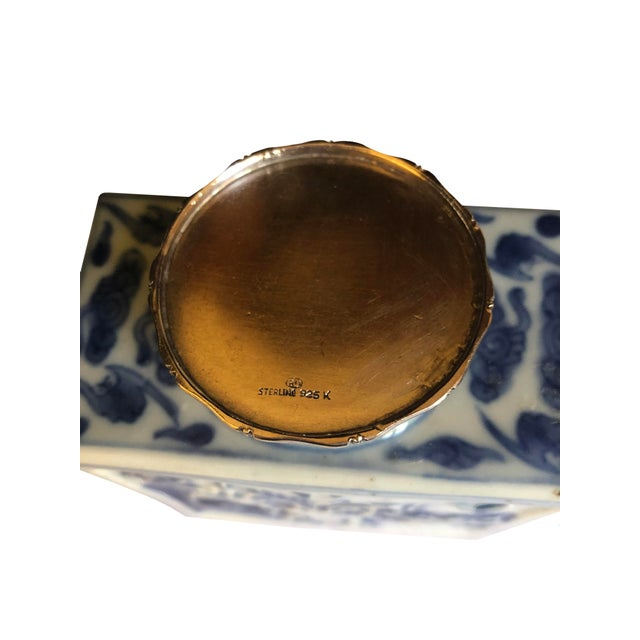 18th Century 18th Century Chinese Blue and White Tea Caddy For Sale - Image 5 of 8