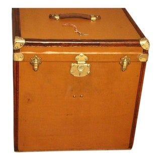 "1930s Light Brown Canvas Extra Large ""Cube Shape"" French Hat Trunk, Hat Box For Sale"