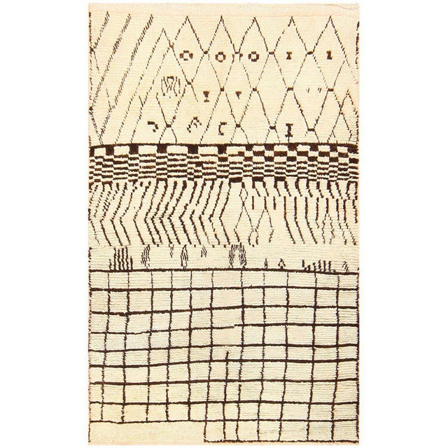 Textile Vintage Geometric Moroccan Rug For Sale - Image 7 of 7