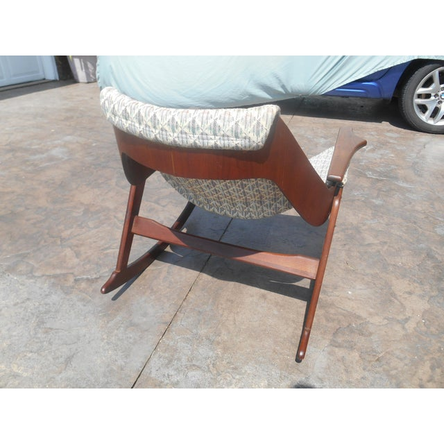 Jerry Johnson 1960s Jerry Johnson Mid-Century Modern Walnut Sling Rocking Chair For Sale - Image 4 of 9