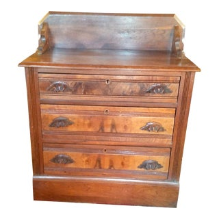 Early 19th Century Walnut Chest of Drawers For Sale