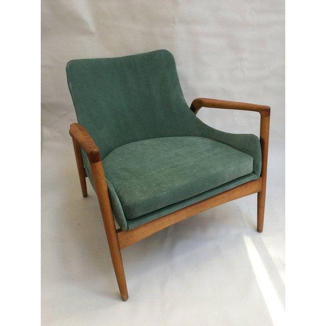 Ib Kofod-Larsen Mid-Century Modern 'Seal' Lounge Chair by Ib Kofod-Larsen For Sale - Image 4 of 11