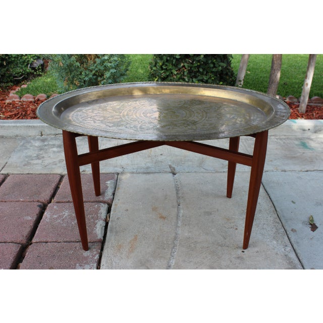 1960s Vintage Mid-Century Modern Brass Tray & Teak Coffee Table For Sale - Image 5 of 6