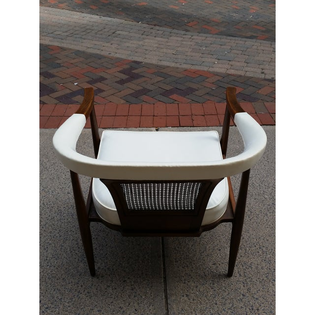 1950s American of Martinsville Mid-Century Ming Arm Chair For Sale - Image 5 of 10