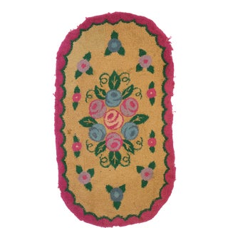 Antique American Floral Hooked Oval Rug - 01'11 X 03'06 For Sale