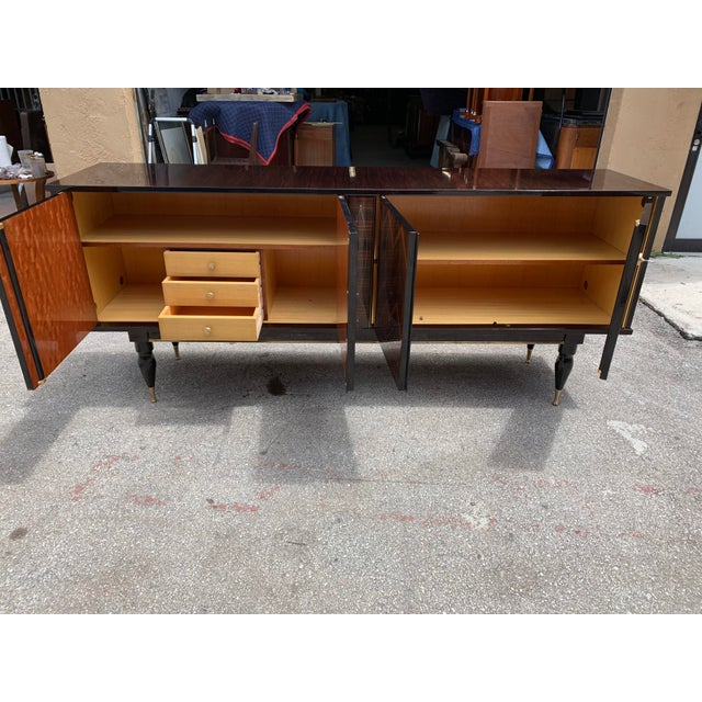 """Brown 1940s French Art Deco Exotic Macassar Ebony """"Zigzag"""" Buffet/Sideboard For Sale - Image 8 of 13"""