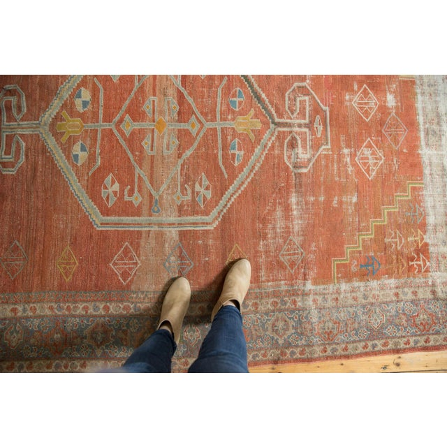 "Boho Chic Vintage Distressed Mahal Carpet - 6'5"" X 9'2"" For Sale - Image 3 of 13"