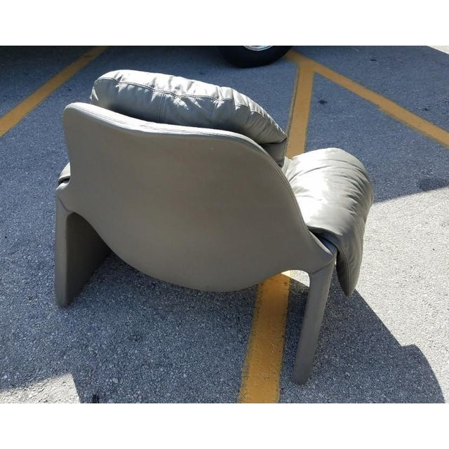 Gray 1970s Vintage Vittorio Introini for Saporiti Italian Leather Lounge Chair For Sale - Image 8 of 9