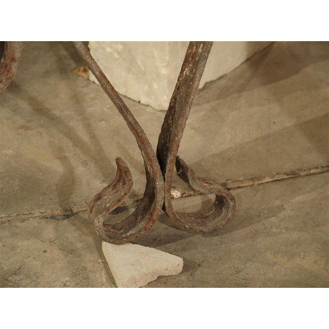 Mid 18th Century 18th Century Forged Iron Fleur De Lys Ancre Wall Support From France For Sale - Image 5 of 9