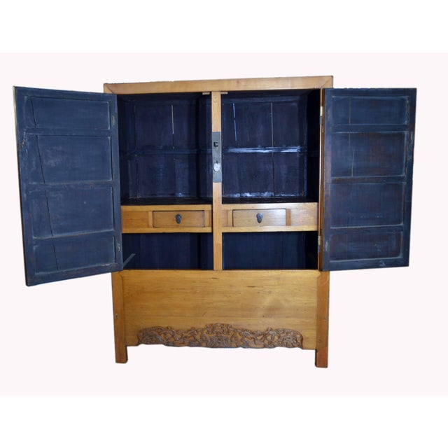 Mid 19th Century Antique Chinese Lacquered Cabinet With Doors, Drawers and Brass Hardware For Sale - Image 5 of 9