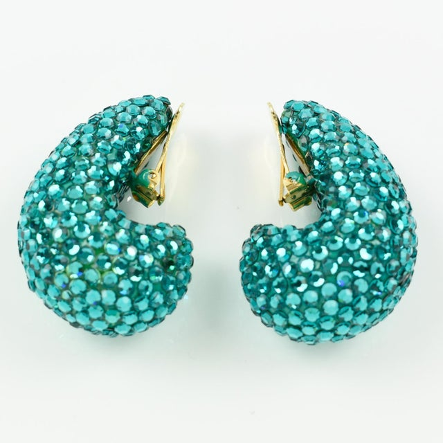 1980s 1980s Richard Kerr Nautilus Shaped Turquoise Crystal Paved Clip on Earrings For Sale - Image 5 of 10