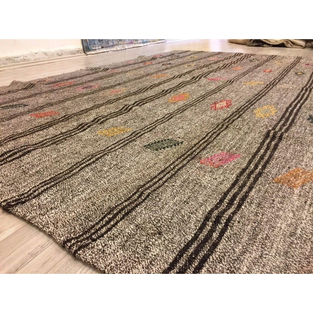 Turkish Kilim Handwoven Rug - 5′8″ × 8′10″ For Sale In Austin - Image 6 of 7