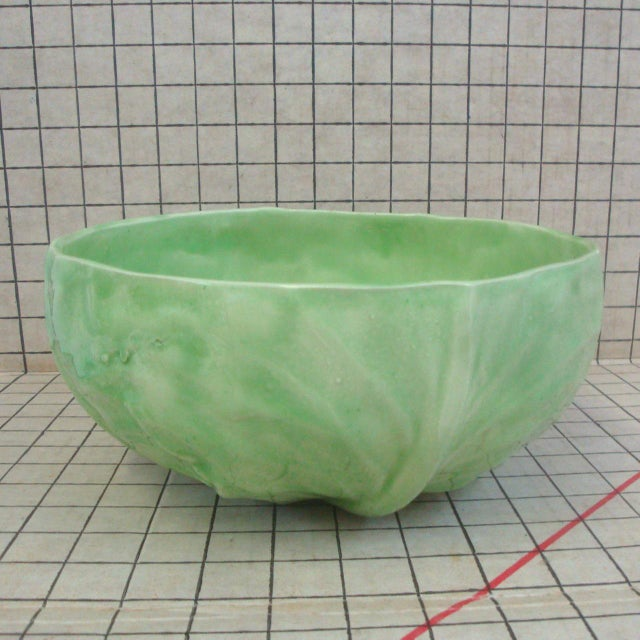 Large Artisan Handmade Cabbageware Lettuceware Salad or Fruit Bowl, After Dodie Thayer For Sale In Richmond - Image 6 of 6
