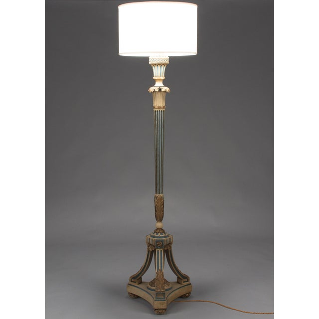 1940s Louis XVI Style Painted Wooden Floor Lamp For Sale - Image 9 of 13