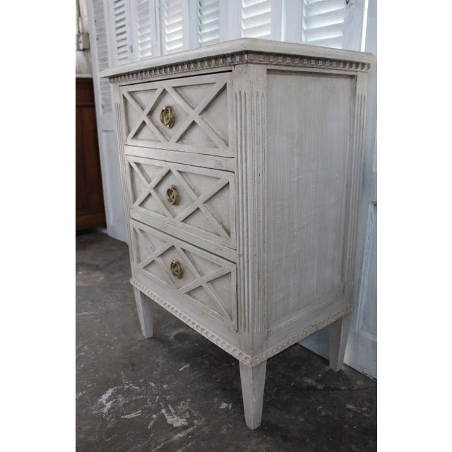 White 20th Century Swedish Gustavian Style Nightstands - a Pair For Sale - Image 8 of 12