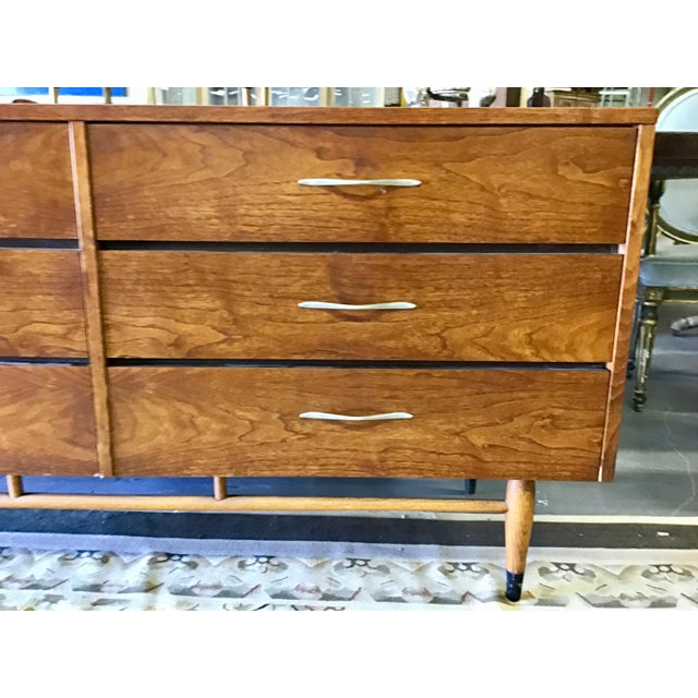 Mid Century Lane Acclaim Walnut Dresser For Sale In Tampa - Image 6 of 11