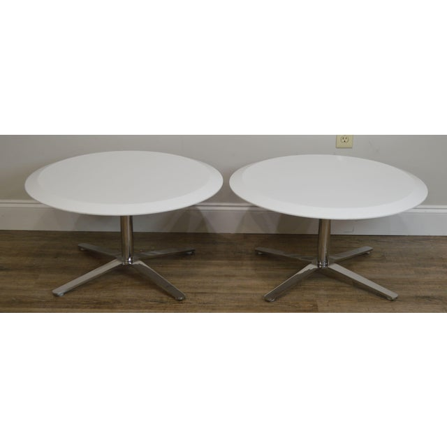 Mid-Century Modern Cumberland Mid-Century Modern Style Pair Chrome Pedestal Base Round White Tables For Sale - Image 3 of 12