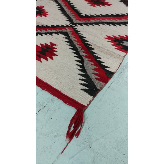 "Textile Navajo Vintage Hand Woven Wool Rug - 4'6"" x 7'6"" For Sale - Image 7 of 10"
