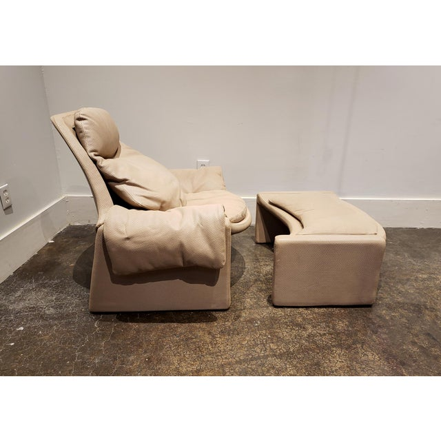 Mid-Century Modern P60 Lounge Chair and Ottoman by Vittorio Introini for Saporiti For Sale - Image 3 of 9