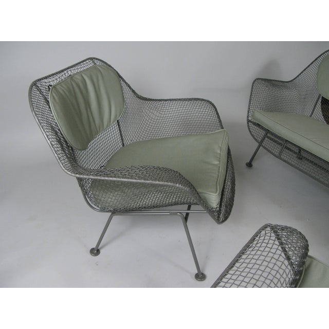 1950s Russell Woodard Sculptura Sofa and Pair of Lounge Chairs- 3 Pieces For Sale In New York - Image 6 of 7