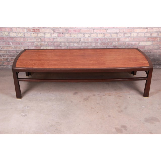 An exceptional mid-century modern monumental coffee table By Edward Wormley for Dunbar Furniture USA, 1950s Book-matched...