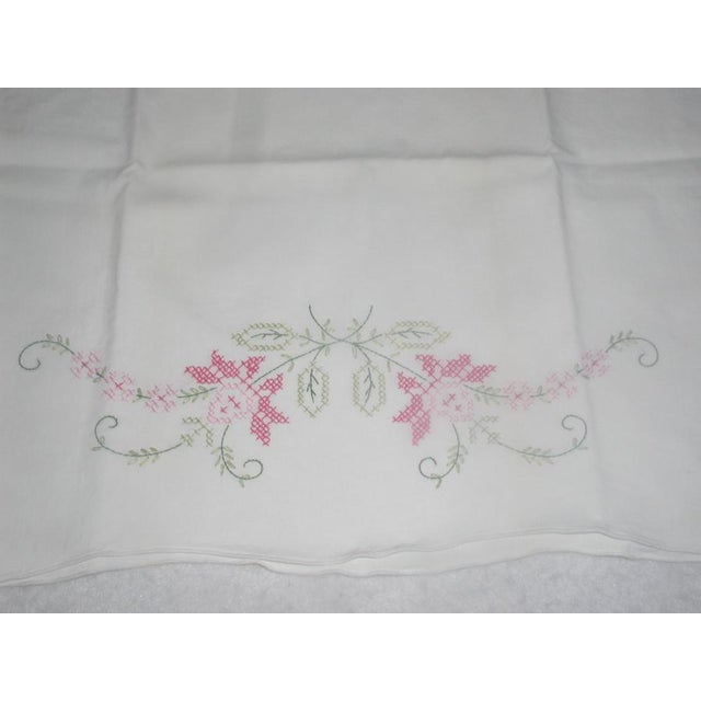 1950's Hand Embroidered Pillow Cases - A Pair For Sale - Image 4 of 9