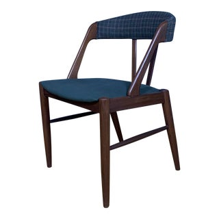 "Late 20th Century Danish Design ""Y"" Frame Side Chair For Sale"