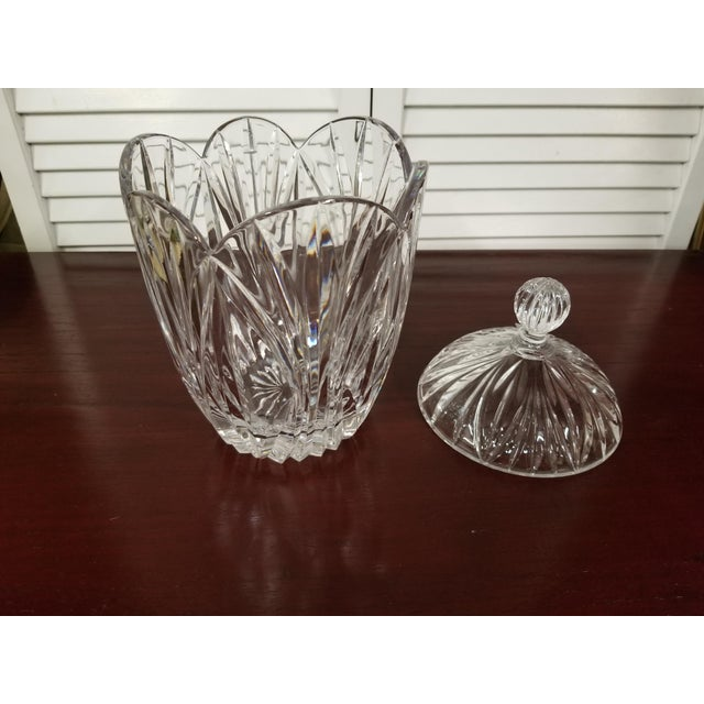 Traditional 1980s Traditional Crystal Biscuit Jar For Sale - Image 3 of 7