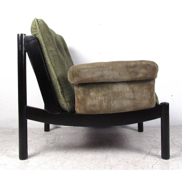 Mid-Century Modern Mid-Century Modern Style Tufted Side Chair For Sale - Image 3 of 10