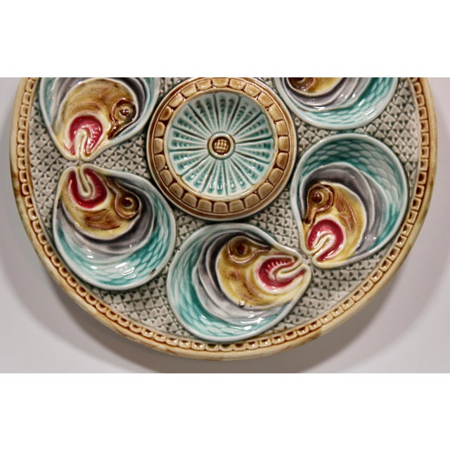 Coastal Majolica Fish Heads Oyster Plate by Onnaing, 1800s For Sale - Image 3 of 13
