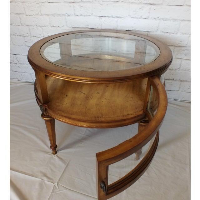 Vintage Weiman Gilded Round Vitrine Curio Table - Image 7 of 11 - Vintage  Weiman Gilded - Weiman Antique Furniture Antique Furniture