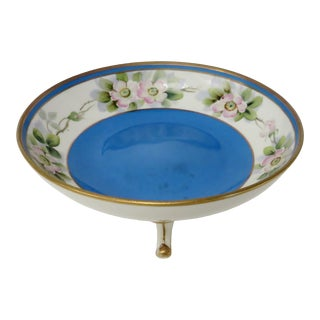 Early 20th Century Blue Japanese Porcelain Footed Bowl For Sale