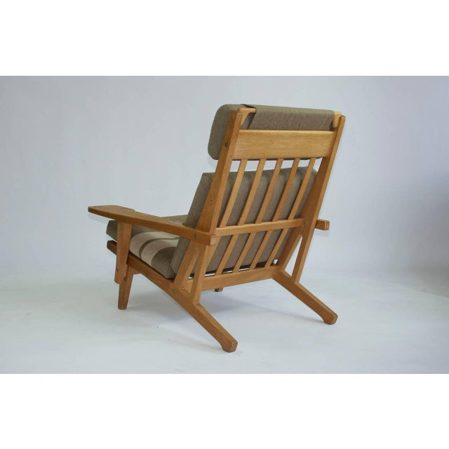 Pair of Wide Arm Lounge Chairs by Hans Wegner For Sale - Image 4 of 9