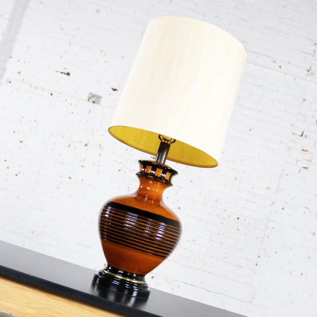Large Brown and Black Mid Century Modern Bulbous Ceramic Lamp For Sale - Image 12 of 13
