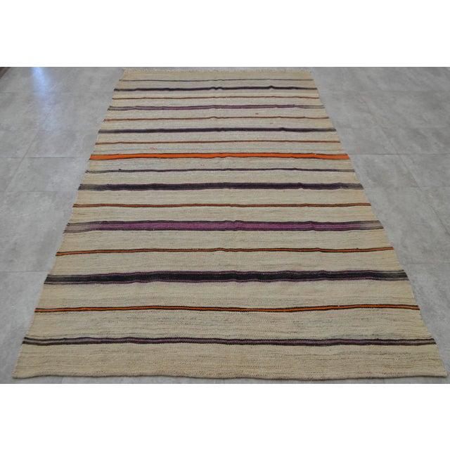 Vintage Natural Turkish Wool Stripe Kilim Rug - 4′6″ × 7′8″ - Image 3 of 9
