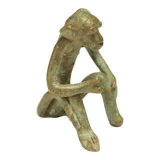 Mid 20th Century African Oxidized Bronze Sitting Monkey For Sale